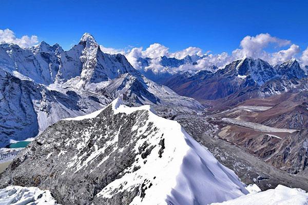 Everest Base Camp Trek und Island Gipfel Klettern