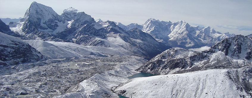 Gokyo-lakes-trek-in-Everest-region-of-Nepal